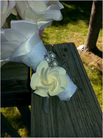 boutonniere, prom boutonniere, quinceanera boutonniere,prom bout, quinceanera bout, clay boutonniere, clay bout, gardenia boutonniere, gardenia bout, keepsake bout, keepsake boutonniere