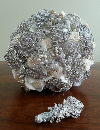 Brooch bouquet, wedding bouquet, bouquet, bridal bouquet, bling bouquet, jeweled bouquet, crystal bouquet, broach bouquet, bridal flowers, wedding flowers