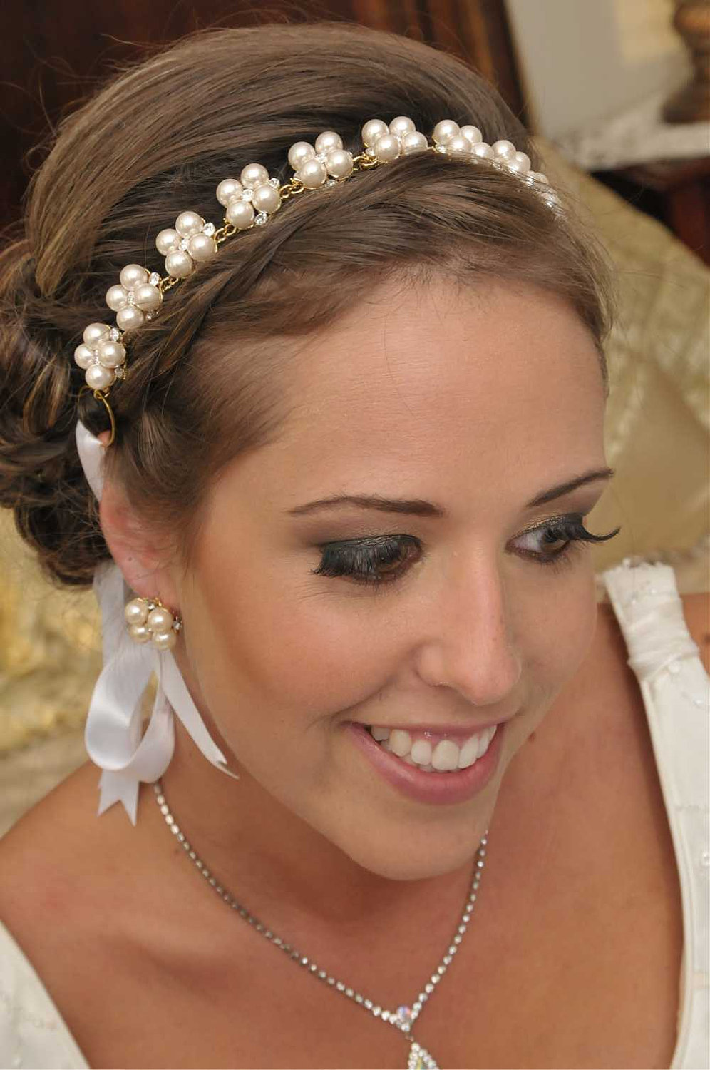 Amanda Stunning Gold Swarovski Crystal And Pearl Ribbon